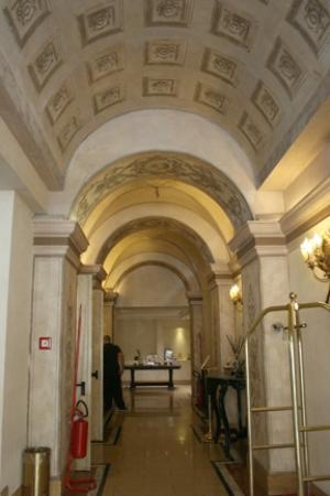 โรงแรมเวเนโต: Hallway