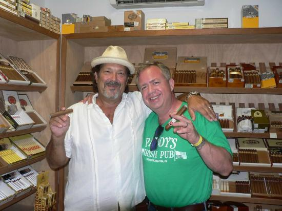 Havana Bob's Cuban Cigars: Having a smoke with Havana Bob