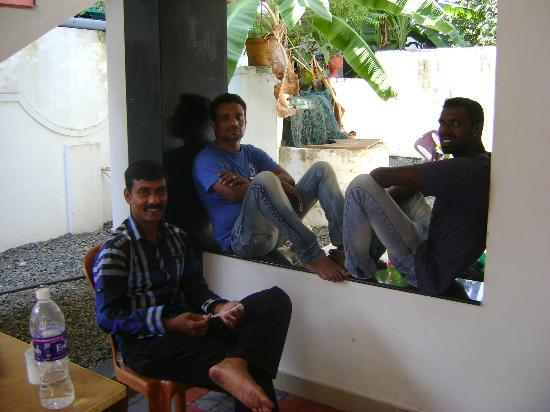 Sunshine Homestay Fort Cochin: 3 friendy owners