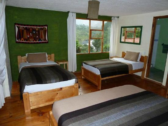 La Casa Verde- Eco Guest House : a standard triple room or for family of 4