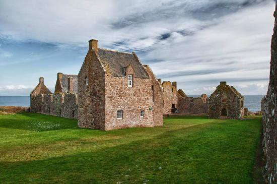 Стонхейвен, UK: On the grounds of Dunnottar