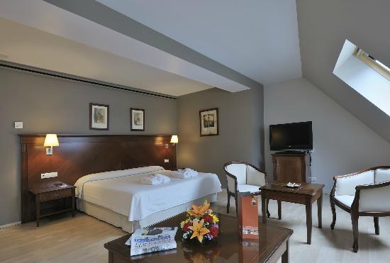 Golden Tulip Andorra Fenix Hotel: Hab Junior Suite