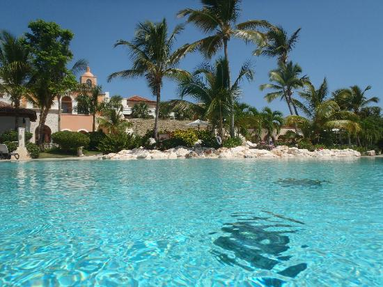 Sanctuary Cap Cana by Playa Hotels & Resorts: Main pool area