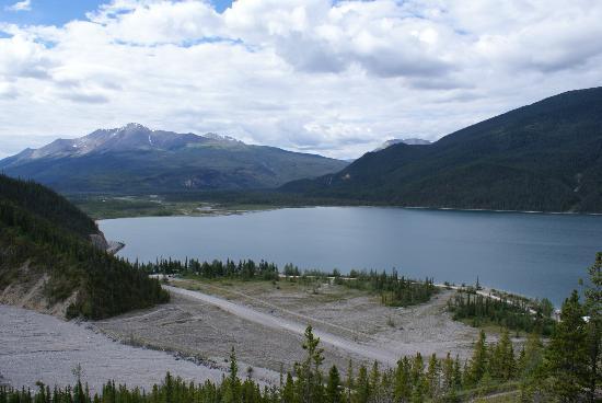 Muncho Lake Provincial Park: Muncho Lake Campground