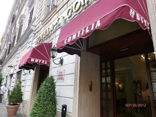 Hotel Contilia: Entrance
