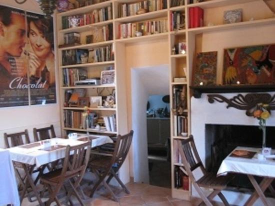 Calcata, Italie: interno Arte & Cioccolata