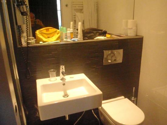 First Hotel: Il bagno