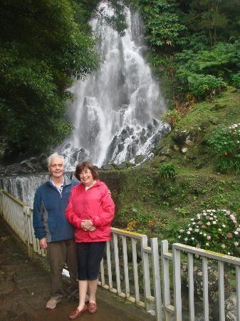 Azorean Tours: Waterfall near Lake of Fire