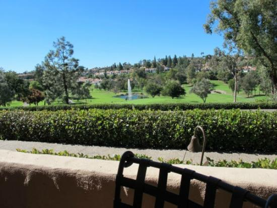 Rancho Bernardo Inn: View of the golf course from Valencia Patio Restaurant