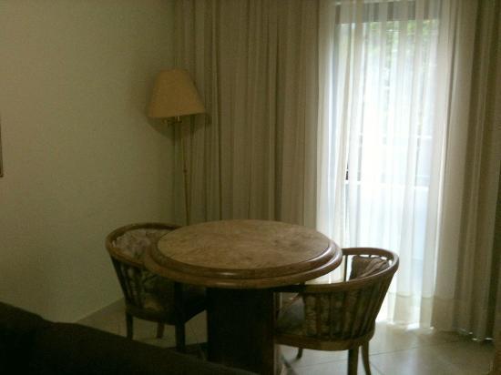 Landmark Residence: Sala