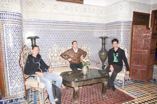 Riad Dar Guennoun: la douceur du salon et son acceuil