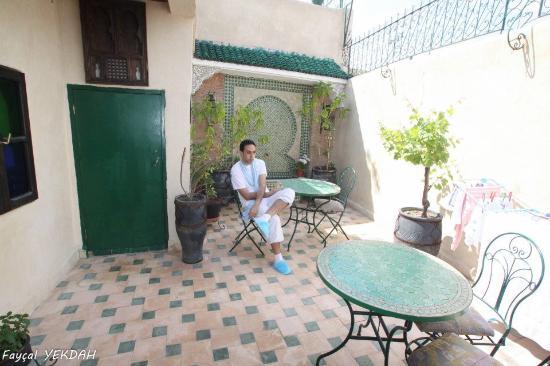 Riad Dar Guennoun: relax sur la terasse