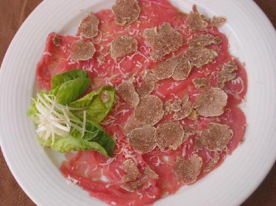 Trattoria Belvedere: Carne all'albese e Tartufo Bianco