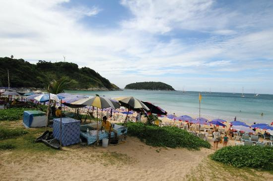 Nai Harn Beach: Arriving at the beach
