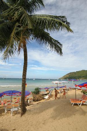 Nai Harn Beach: Beachview