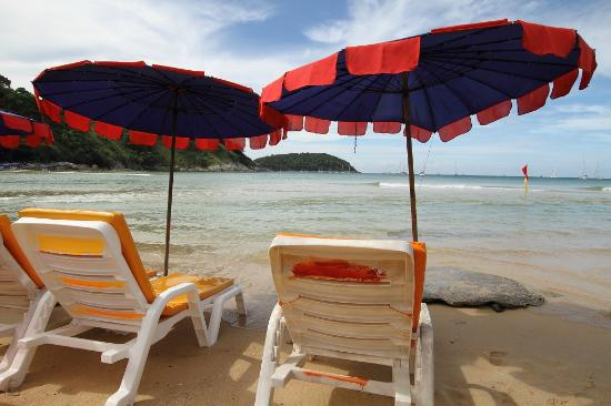 Nai Harn Beach: Front row seats =)