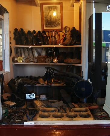 Central Hawke's Bay Settlers Museum: cobbler at the museum