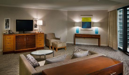 Hilton Marco Island Beach Resort--CLOSED FOR RENOVATIONS; REOPENING DEC. 1, 2017: Open Plan Suite Living Room