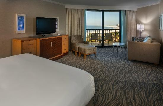 Hilton Marco Island Beach Resort--CLOSED FOR RENOVATIONS; REOPENING DEC. 1, 2017: One Bedroom Suite Bedroom