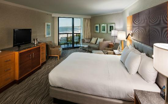 Hilton Marco Island Beach Resort: King Bed Guest Room