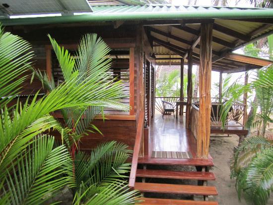 Casa Cayuco: Peicanos deck