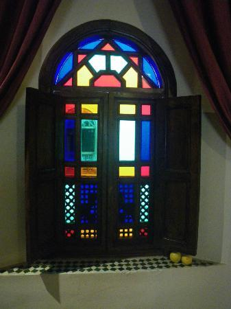 Dar Fes Medina: tinted glass