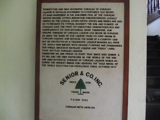 Curacao Liqueur Distillery: destilaria de licor