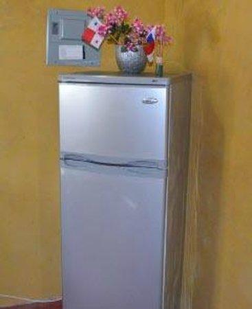 Cabanas Time Out: refrigerator and freezer