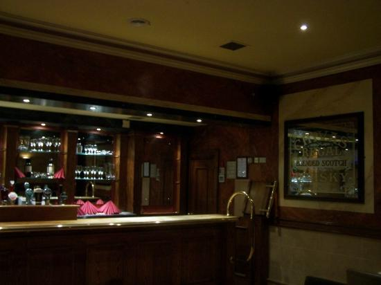 Victoria Hotel: Bar in restaurant