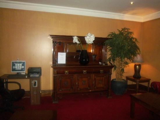 Victoria Hotel: Computer room