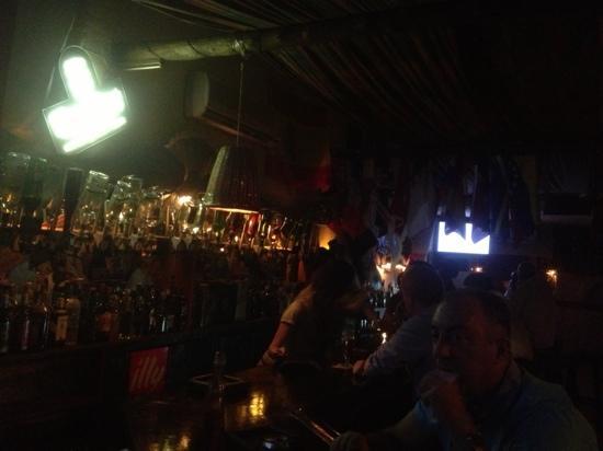 Appaloosa Restaurant : long bar