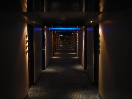 โรงแรมดรีม กรุงเทพ: HALLWAY