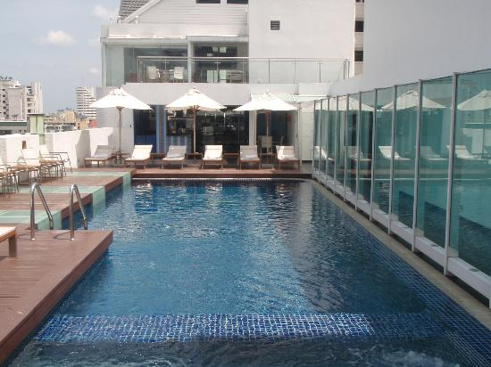 Dream Bangkok: ROOF TOP POOL