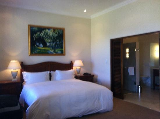 Asara Wine Estate & Hotel: Bedroom