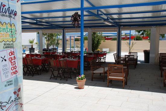 La Plaza: getlstd_property_photo