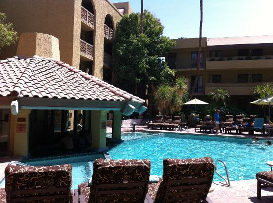 Pointe Hilton Squaw Peak Resort: Small pool within complex