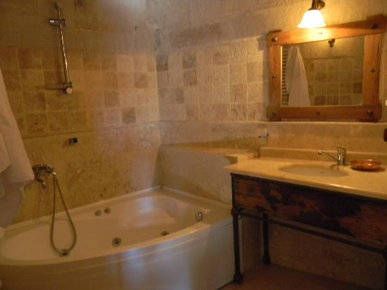 Sultan Cave Suites: Banheiro
