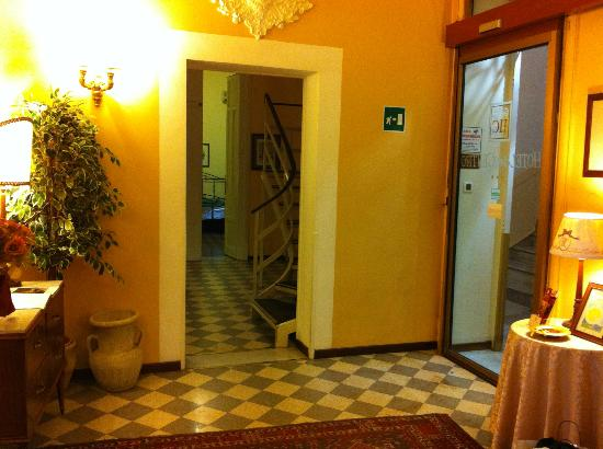 Hotel del Centro: View from reception\entrance to room