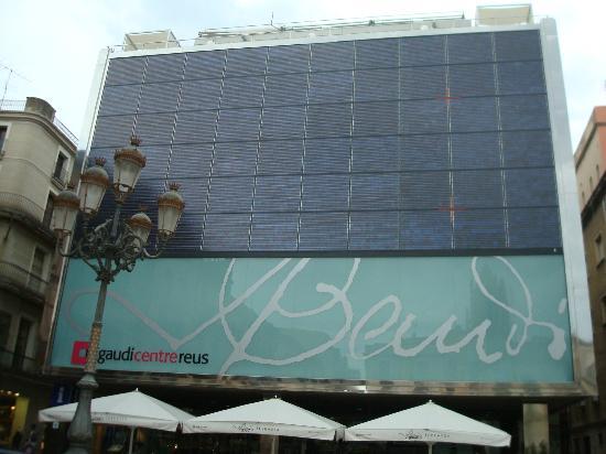 Gaudi Centre Reus : Exterior do Centro