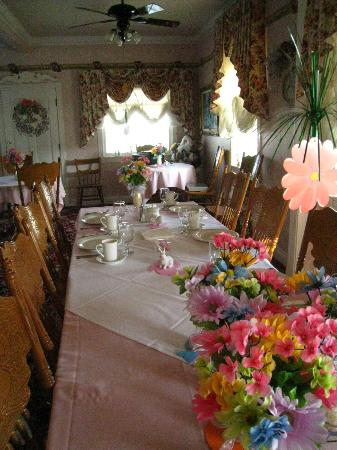 Reedley Country Bed and Breakfast: Dinning room