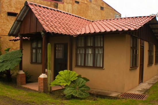 El Churrasco Hotel Restaurante : 6 people cabin- Cabina 6 personas