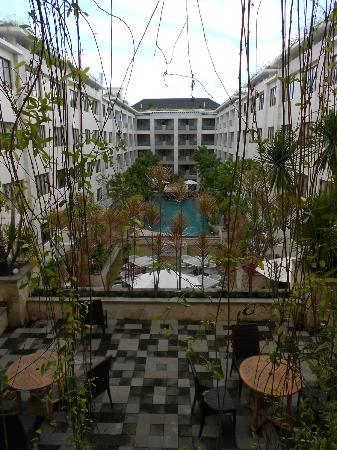 Aston Kuta Hotel & Residence: The view from a few levels up
