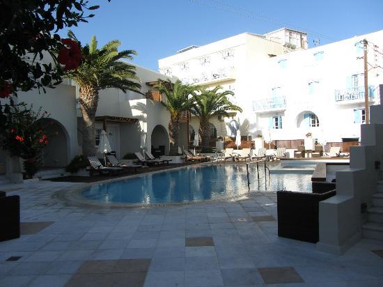 Nissaki Beach Hotel Naxos: Pool Area