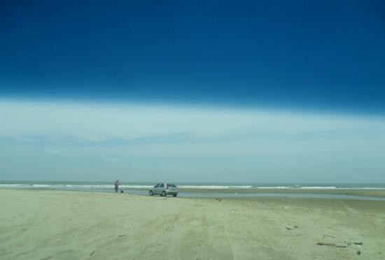 Praia do Cassino: Excelente praia gostei muito de passear por ela de carro