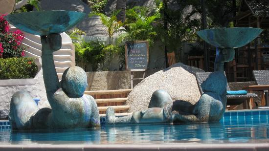 Jamahkiri Resort & Spa: Pooslide bar