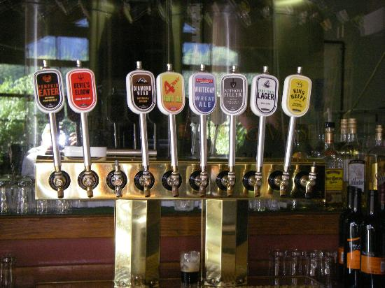 The Howe Sound Inn & Brewing Co.: Howe Brewery Taps