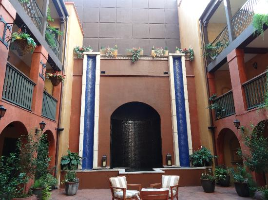 ‪‪Hotel Valencia Riverwalk‬: Courtyard