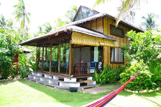 Greenhouse: House 2 beachfront