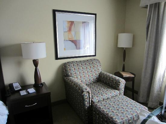 Hilton Garden Inn Fargo: comfy chair