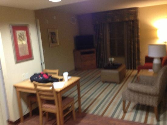 Homewood Suites by Hilton - Greenville: Living area